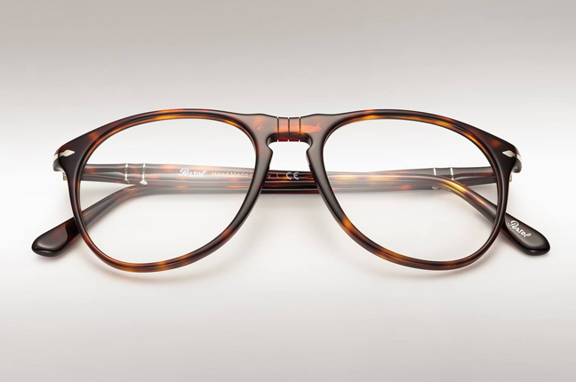 "Un occhiale da vista Persol che appartiene alla ""Icons Collection"""