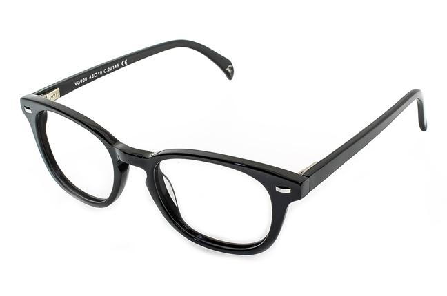 """Una montatura degli occhiali Giorgio Valmassoi in """"total black"""""""