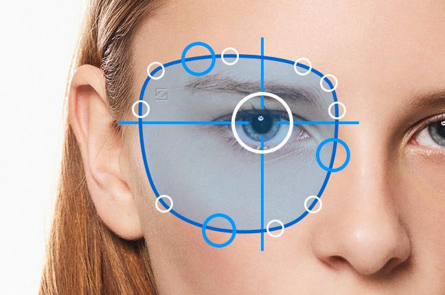 Una simulazione del sistema di video centratura Zeiss sull'occhio di una ragazza