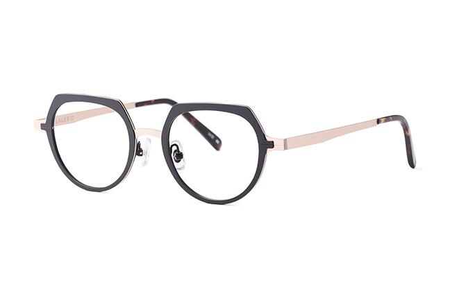 """Il modello """"MIGHTY"""" degli occhiali Stealer"""