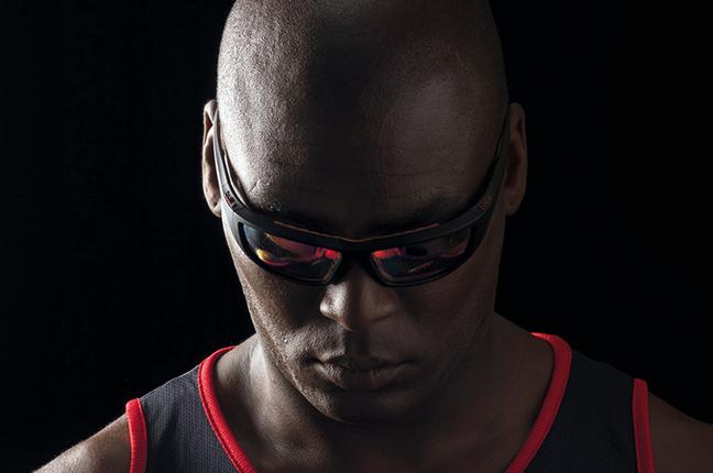"""Un runner indossa occhiali Bollé appartenenti alla collezione """"SPORT PROTECTIVE"""""""
