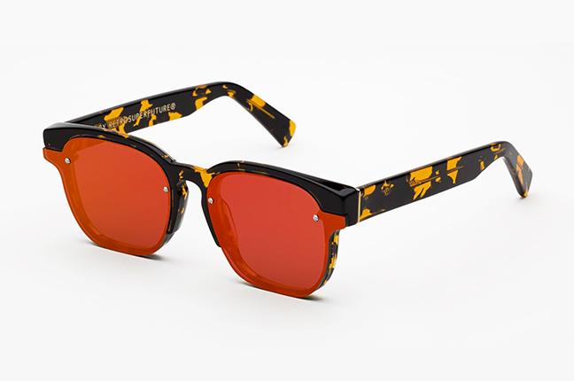 """Il modello """"Euclid Red Mirror"""" degli occhiali SUPER by Retrosuperfuture®"""