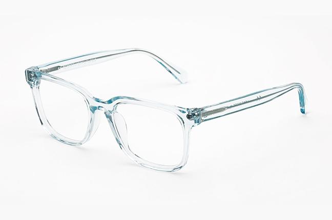 """Il modello """"Numero 19 Crystal Celeste"""" degli occhiali SUPER by Retrosuperfuture®"""