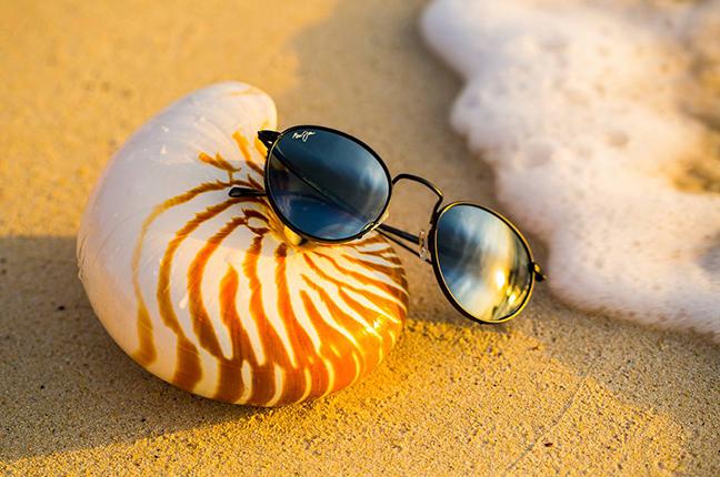 """Il modello """"NAUTILUS"""" della collezione """"Classico"""" degli occhiali da sole Maui Jim"""