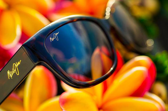 """Il modello """"PLUMERIA"""" della collezione """"Cat Eye"""" degli occhiali da sole Maui Jim"""