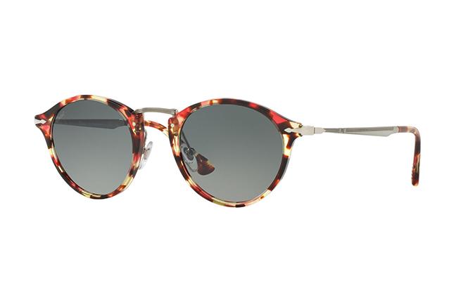 """Il modello da sole """"PO3166S"""" degli occhiali Persol, appartenente alla collezione """"Calligrapher Edition"""""""