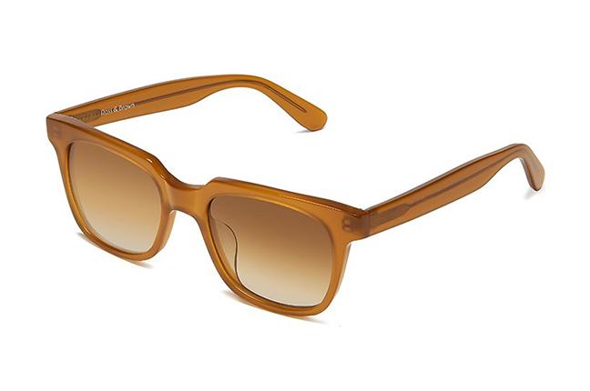 """Il modello """"PORTOFINO"""" degli occhiali Ross and Brown, nella versione """"TANGERINE"""""""