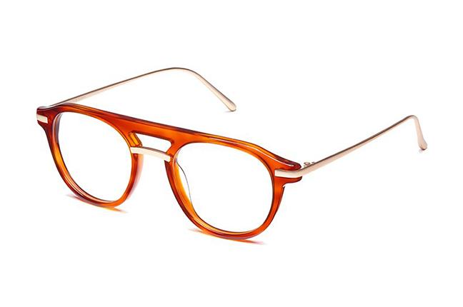 """Il modello """"TOKYO"""" degli occhiali Ross and Brown, nella versione """"DARK CARAMEL / MATT GOLD"""""""