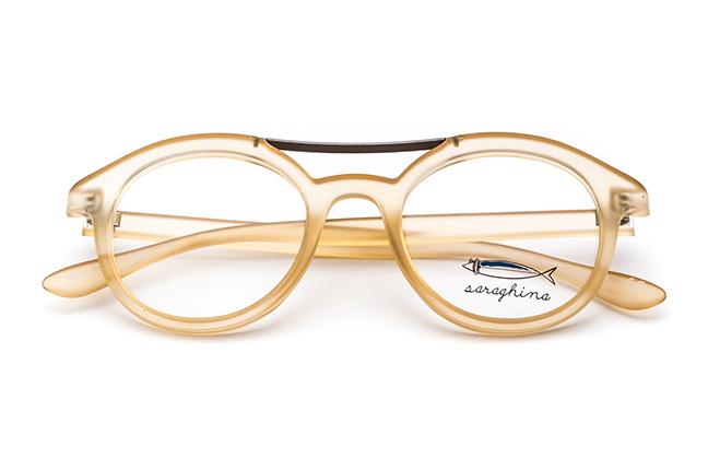 """Il modello """"AURELIO"""" degli occhiali Saraghina, nella versione """"MIELE CRISTALLO SATINATO"""""""