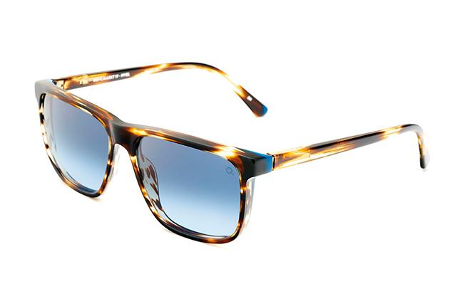 """Il modello """"KOHLMARKT 19 SUN"""" della collezione """"CULTURE LOVERS"""" degli occhiali Etnia Barcelona"""