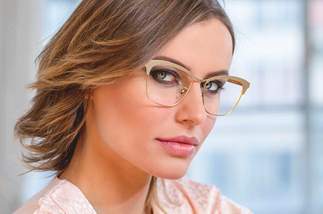 "La bellissima Olga De Mar indossa il modello ""JODIE"" degli occhiali Joystar"