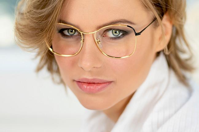 "La bellissima Olga De Mar indossa il modello ""MARLENE"" degli occhiali Joystar"