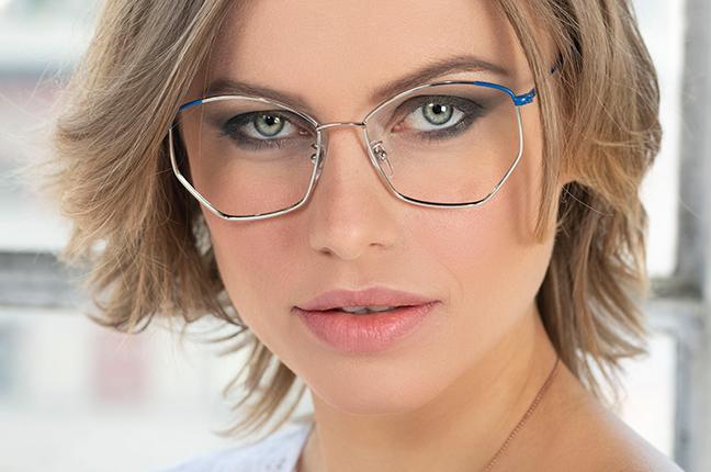 """La bellissima Olga De Mar indossa il modello """"JANE"""" degli occhiali Joystar"""