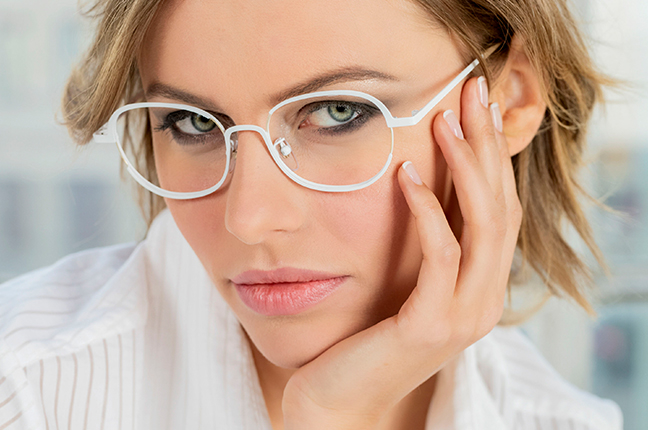 "La bellissima Olga De Mar indossa il modello ""RITA"" degli occhiali Joystar"