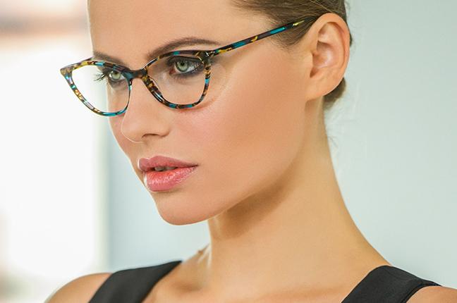 """La bellissima Olga De Mar indossa il modello """"AVRIL"""" degli occhiali Joystar"""
