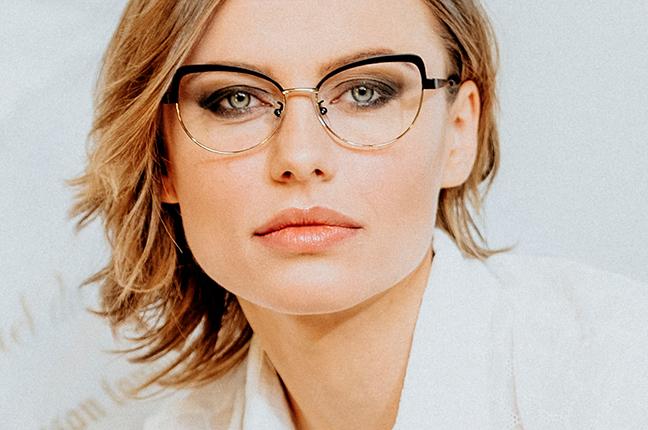 "La bellissima Olga De Mar indossa il modello ""DIANE"" degli occhiali Joystar"