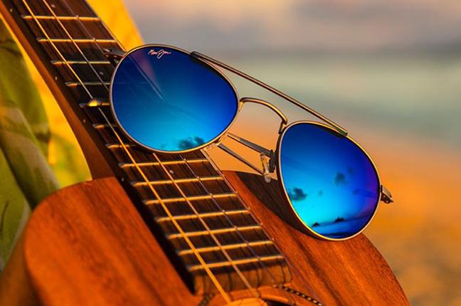 """Il modello """"PISCES ASIAN FIT"""" degli occhiali da sole (da uomo) Maui Jim"""