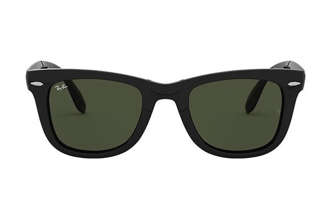 """Il modello """"WAYFARER FOLDING CLASSIC"""" degli occhiali da sole Ray-Ban"""