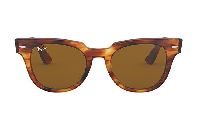 """Il modello """"METEOR CLASSIC"""" degli occhiali da sole Ray-Ban"""
