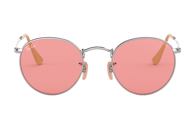 """Il modello """"ROUND WASHED EVOLVE"""" degli occhiali da sole Ray-Ban"""