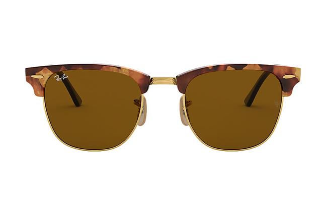 """Il modello """"CLUBMASTER FLECK"""" degli occhiali da sole Ray-Ban"""