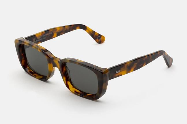 """Il modello """"Lira Spotted Havana"""" degli occhiali SUPER by Retrosuperfuture®"""