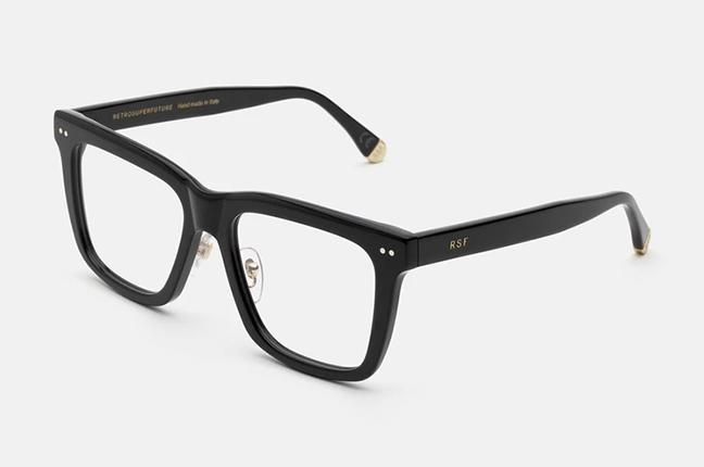 """Il modello """"Numero 77 Nero"""" degli occhiali SUPER by Retrosuperfuture®"""