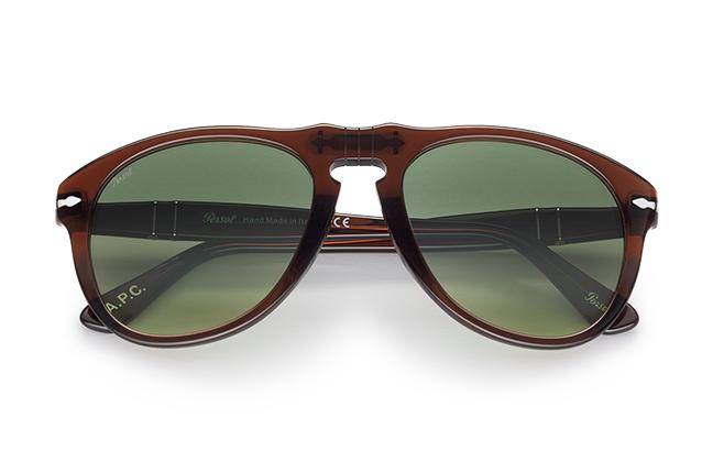 """Il modello """"649"""" (marrone trasparente) degli occhiali Persol, appartenente alla collezione """"Persol & A.P.C."""""""