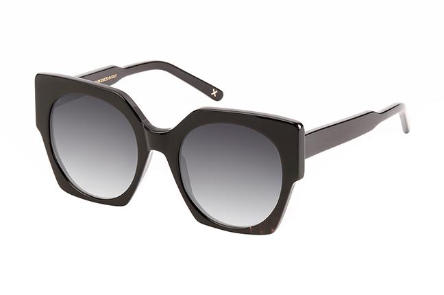 """Il modello """"EVELIN"""" degli occhiali da sole JPlus, nella variante colore """"Nero"""""""