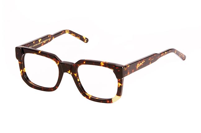 """Il modello """"GABRIEL"""" degli occhiali da vista JPlus, nella variante colore """"Tartarugato"""""""