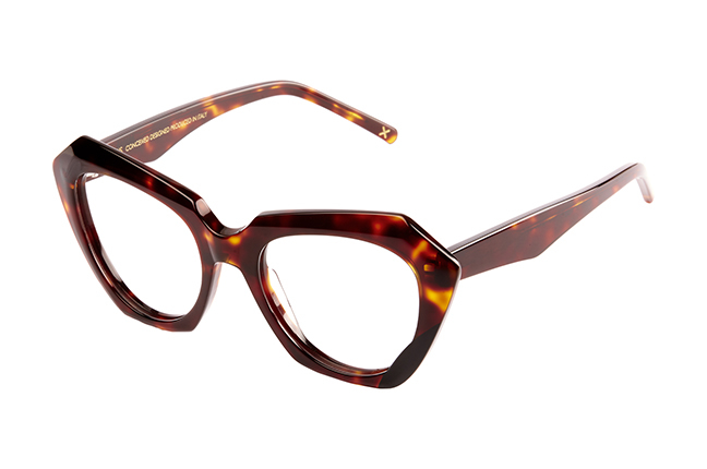 """Il modello """"ERMA"""" degli occhiali da vista JPlus, nella variante colore """"Tartarugato"""""""