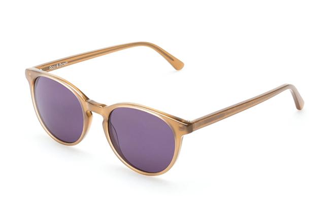 """Il modello """"PARIS IV"""" degli occhiali Ross and Brown, nella versione """"Sand Dollar / Classic Grey"""""""