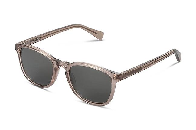 """Il modello """"HARVARD II"""" degli occhiali Ross and Brown, nella versione """"Champagne / Classic Green"""""""