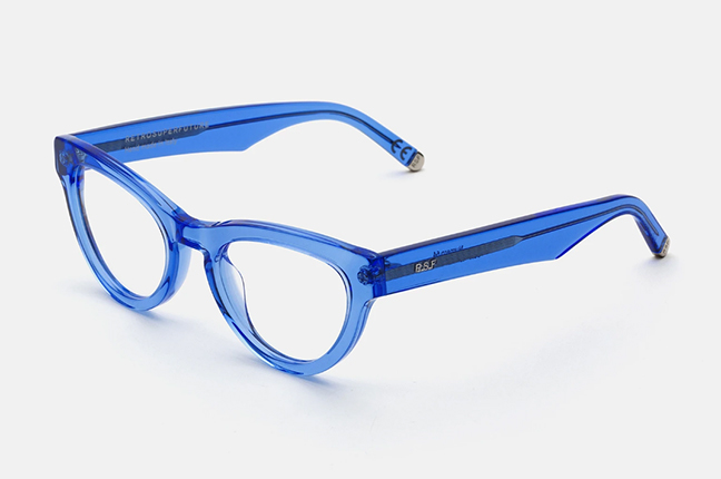 """Il modello """"Numero 64 Crystal Celeste"""" degli occhiali SUPER by Retrosuperfuture®"""