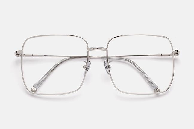 """Il modello """"Numero 78 Argento"""" degli occhiali SUPER by Retrosuperfuture®"""