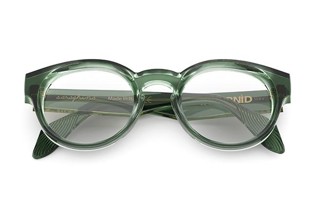 """Il modello """"INVURNÌD"""" degli occhiali da vista Saraghina, nella versione """"VERDE BOTTIGLIA CRISTALLO"""""""