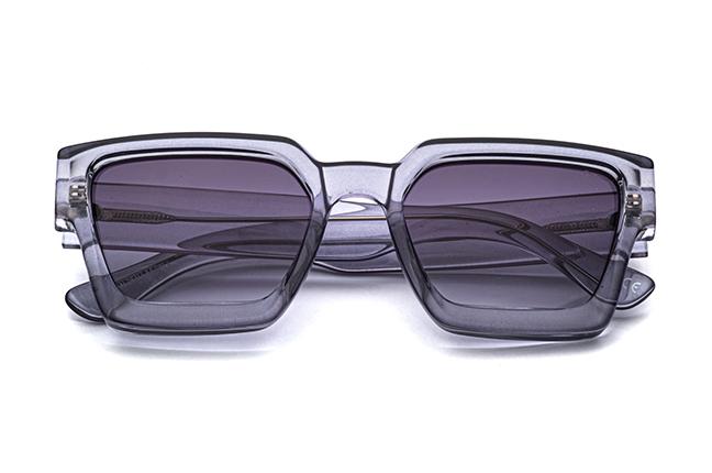 """Il modello """"DAMIAN"""" degli occhiali da sole Saraghina, nella versione """"GRIGIO"""""""