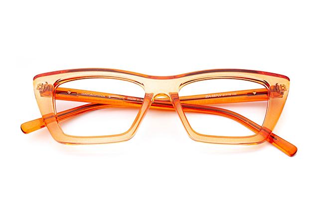 """Il modello """"ZIA"""" degli occhiali da vista Saraghina, nella versione """"PESCA CRISTALLO LUCIDO"""""""
