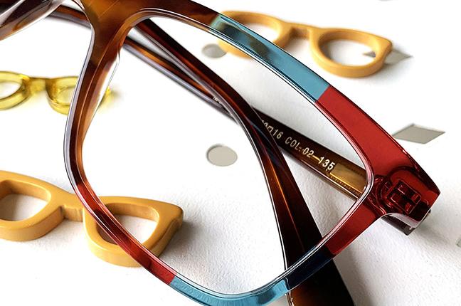 """Il modello """"98"""" degli occhiali Lamarca, appartenente alla collezione """"MOSAICO"""""""
