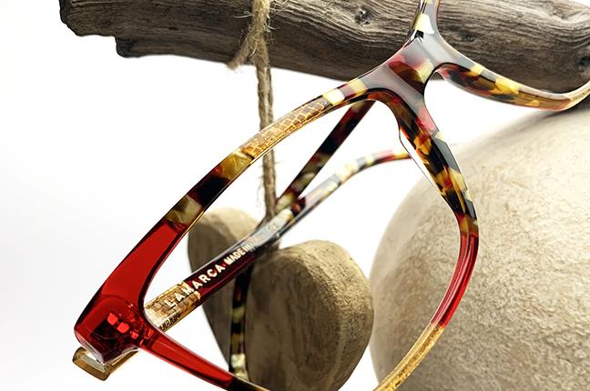 """Il modello """"101"""" degli occhiali Lamarca, appartenente alla collezione """"MOSAICO"""""""